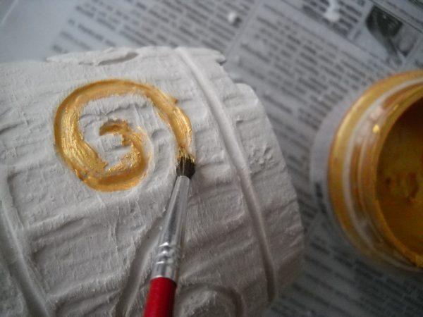 Раскраска горшка из шпатлевки