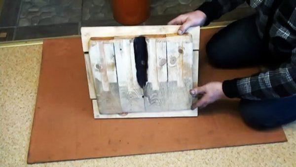 Щит из дерева для изготовления лопаты