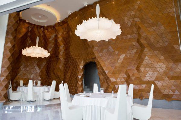 Отделка ресторана Reign в Дубаи