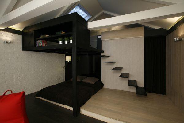 Подиум и антресоль в квартире