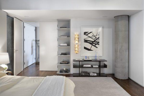 Спальня с несущей колонной