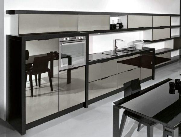 Зеркальный кухонный гарнитур