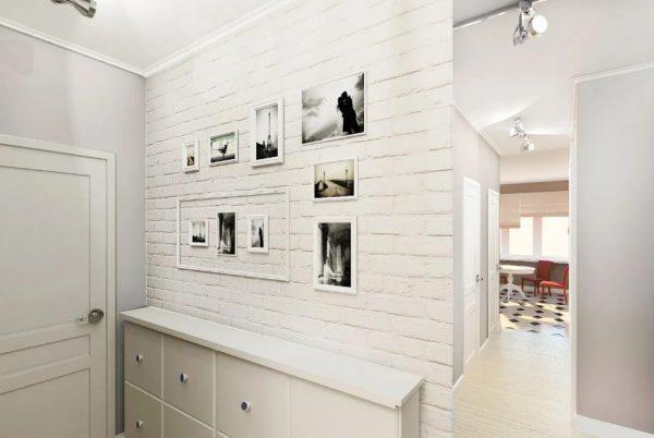Белый кирпич в коридоре