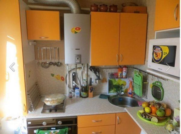 Колонка на маленькой кухне