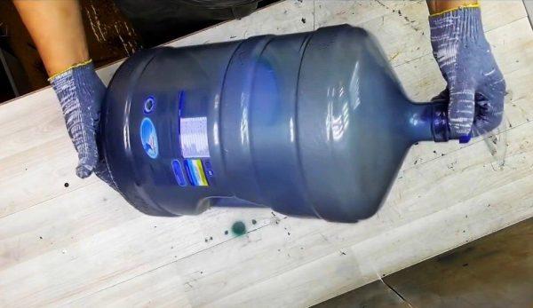Пластиковая бутыль 19 литров
