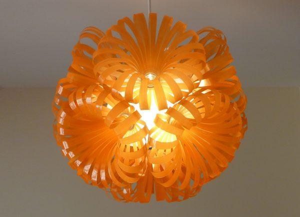 Самодельный светильник из пластика