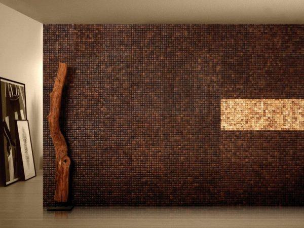 Отделка стены покрытием из кожуры кокоса