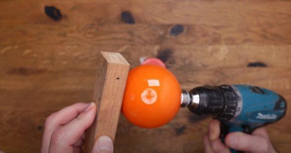 Покраска шара с помощью шуруповерта