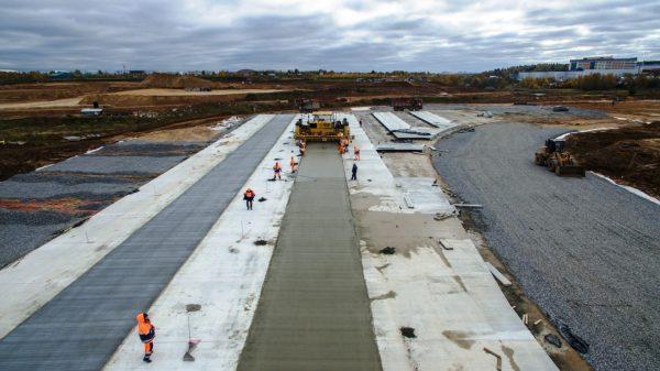 Покрытие взлетно-посадочной полосы из электропроводящего бетона
