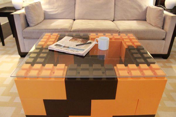 Журнальный столик из Ever Block