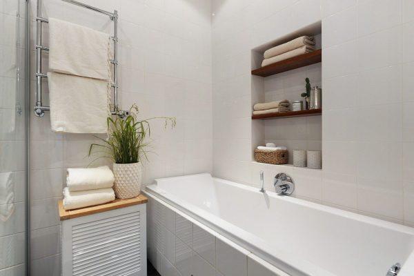 Устройство ниши над ванной