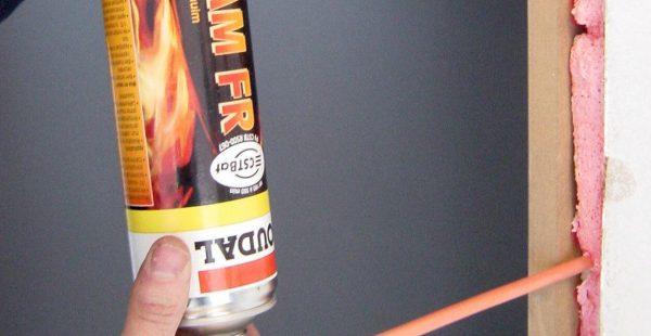 Заполнение швов огнестойкой пеной