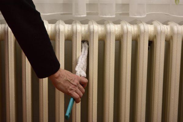 Очистка батареи отопления