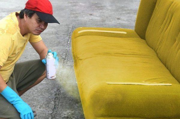Покраска дивана аэрозольной краской