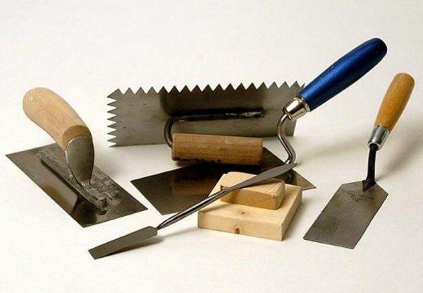 Разновидности кельм для штукатурных работ