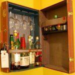 Шкаф из старого чемодана