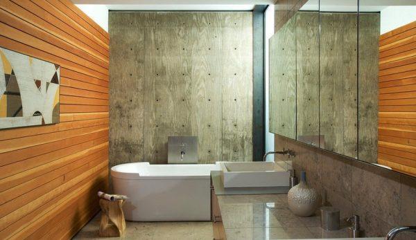 Деревянные панели в ванной