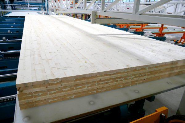 Производство перекрестно-клееных деревянных плит