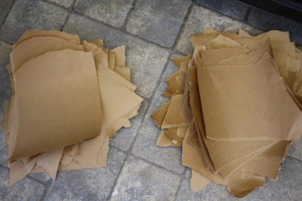 Обрывки упаковочной бумаги